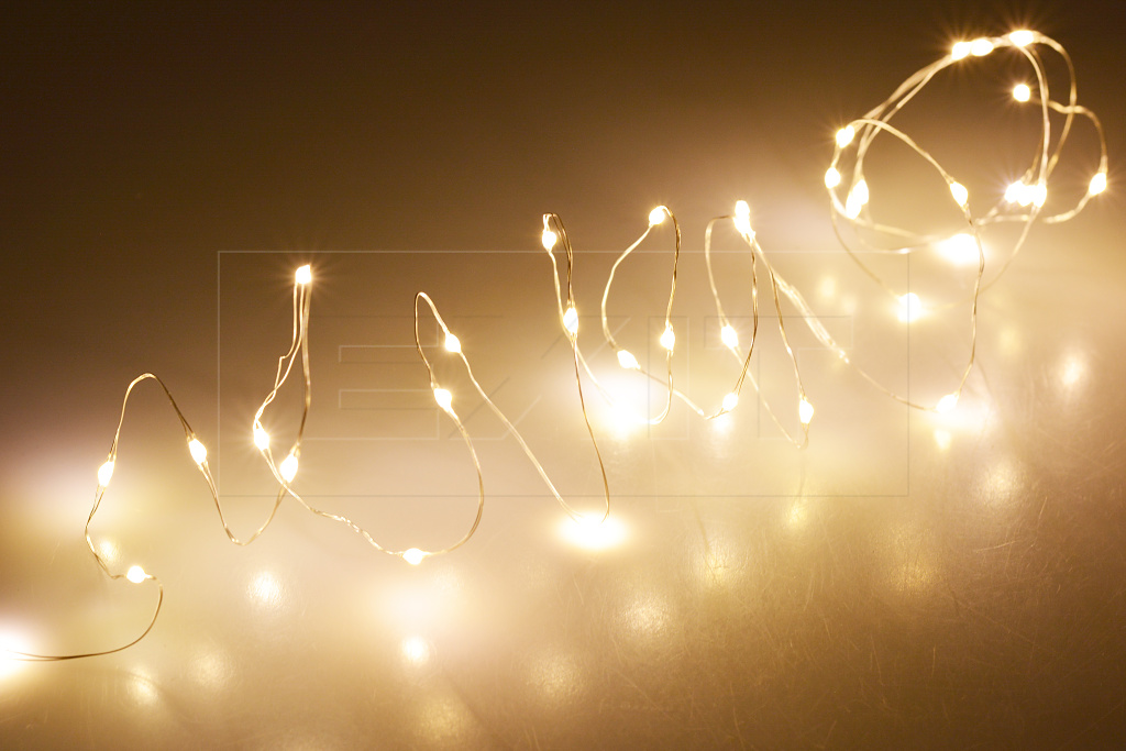 Mikro LED světýlka na baterie (95cm) 20 diod - Teplá bílá