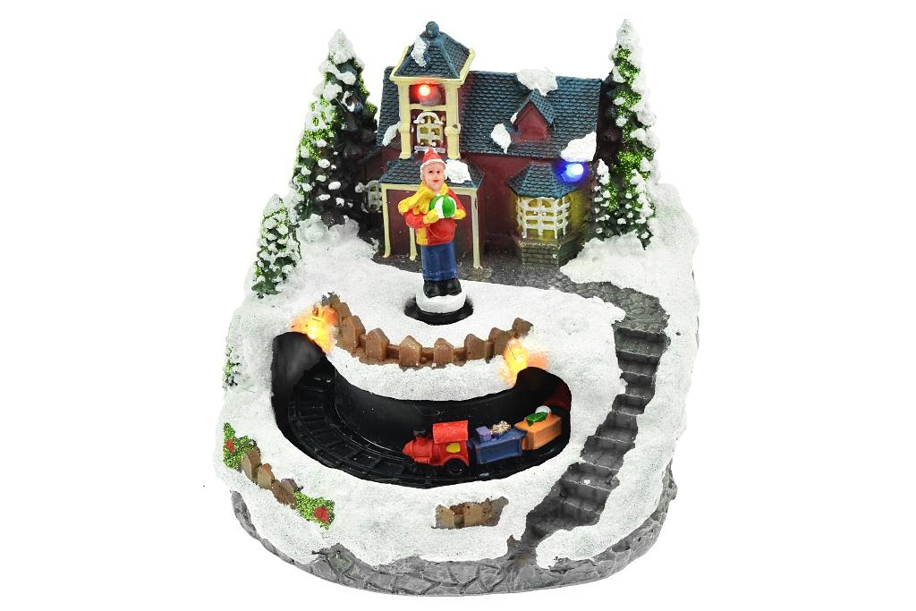 Vánoční scéna (13cm) - Kluk s vláčkem, svítí a hýbe se