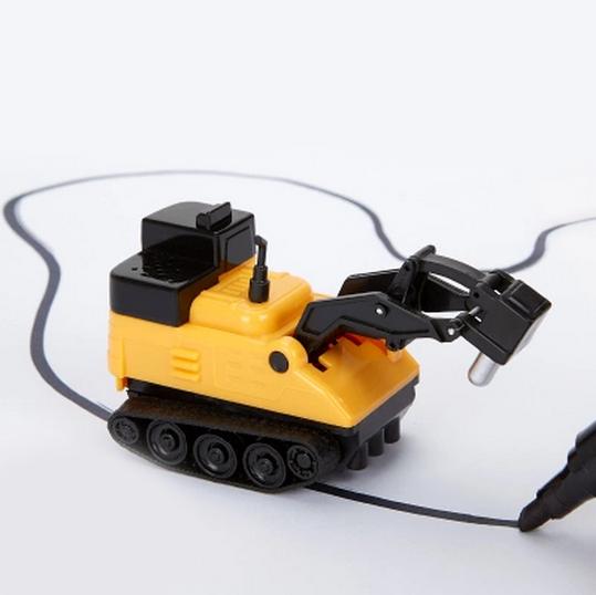 Indukční autíčko s magickým fixem – nakresli si vlastní trať podle sebe