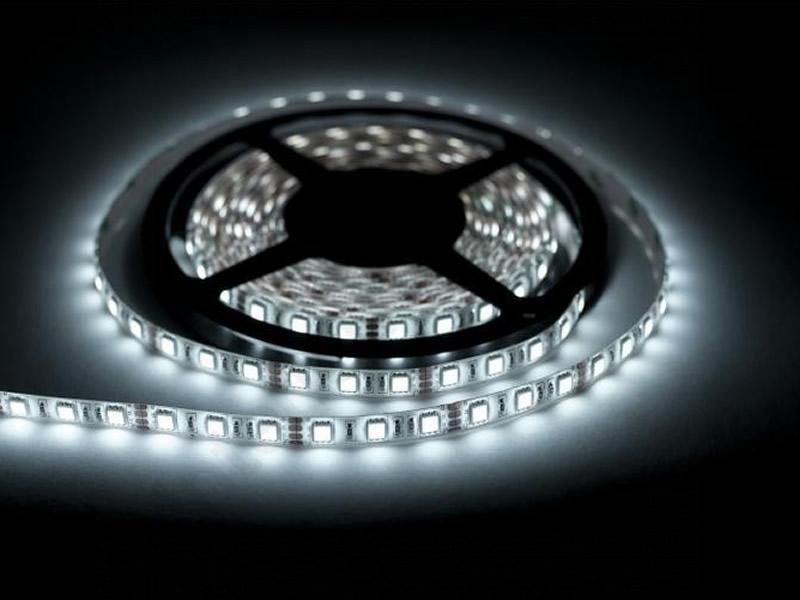 LED pásek Bílý - 5 metrů - kompletní sada