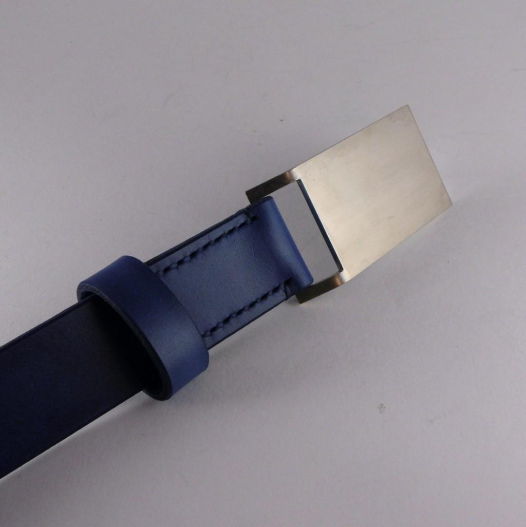 Opasek 30 modrý s větší nerezovou sponou