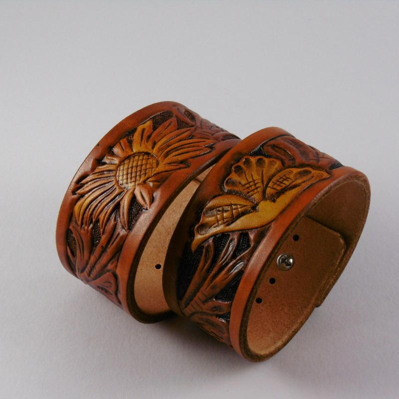 Kožený náramek floral 38 x 230 medový