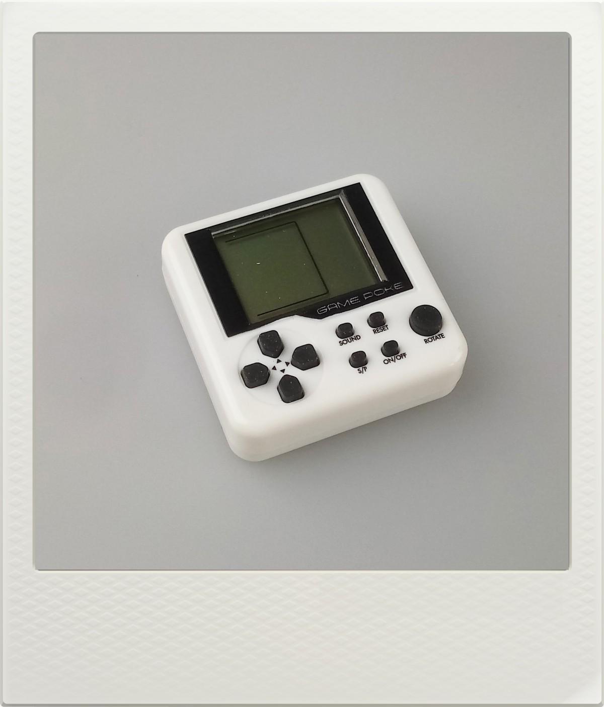 Mini herní konzole Tetris - 9 různých her - bílá