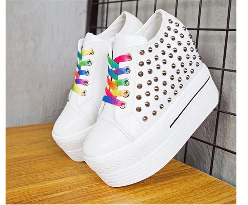 aa735877015 Trendy dámské boty na platformě