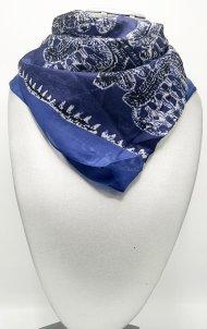 Dámský hedvábný šátek tmavě modrý s motivem