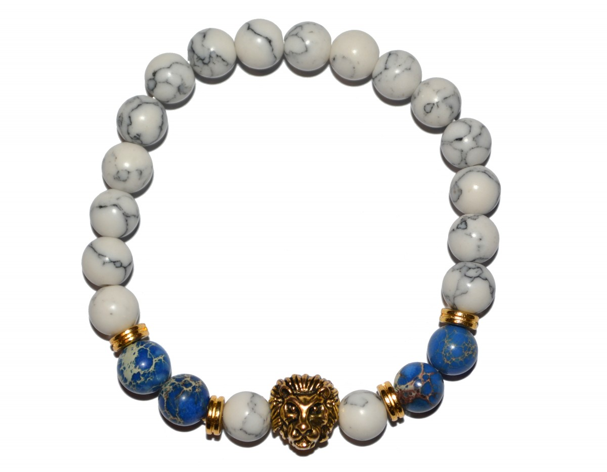 Bílo černý náramek s modrými korálky a zlatým lvem