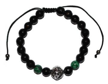 Náramek z leskle černých opracovaných kamenů se zelenými korálky a stříbrným lvem
