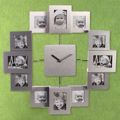 Aluminiowy Zegar Ścienny z 12 Ramkami na Zdjęcia