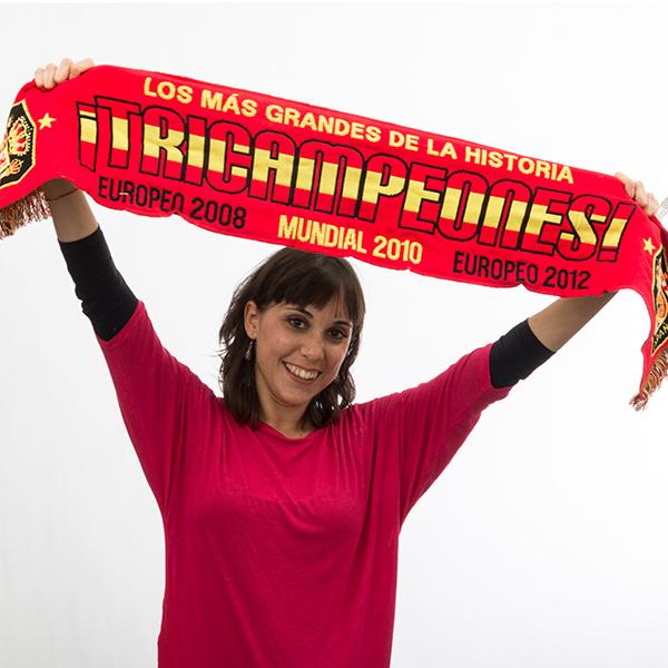Šála 'Španělsko 3x Mistrem'