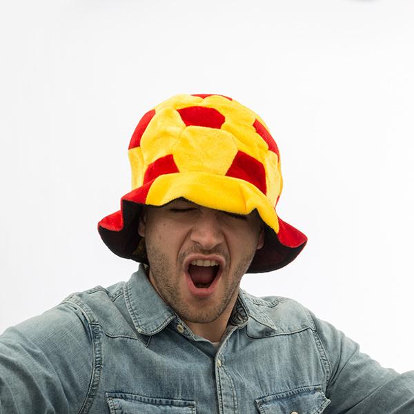 Fotbalový klobouk v barvách Španělska