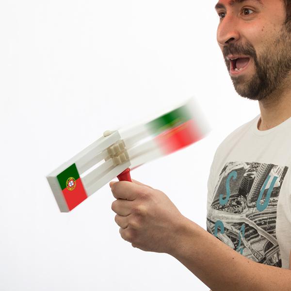 Řehtačka s Portugalskou Vlajkou