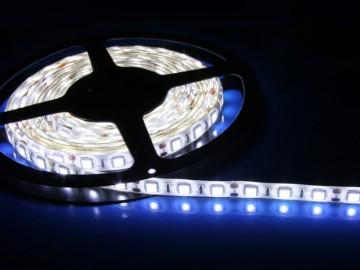 Bílý LED pásek 5 m + trafo a ovladač