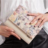 Béžové lakované dámské psaníčko v motivu květin W49 ROVICKY