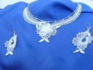 Set květinový náhrdelník  + náušnice bílé