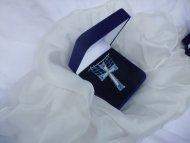 Náhrdelník křížek modro-stříbný