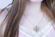 Valentina SWAROVSKI  (náhrdelník zlatý, krystal modrofialový)