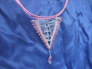 Náhrdelník trojúhelník růžový