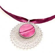 Náhrdelník Hedvábí s krajkou kolo (růžový)