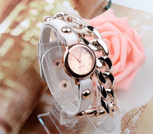 Elegantní hodinky s řetízkem