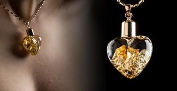 Náhrdelník ve tvaru srdce se zlatými kousky