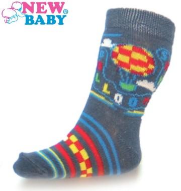 Dojčenské bavlnené ponožky New Baby sivé s balónom