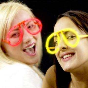 Zářící brýle ze svítící tyčinky