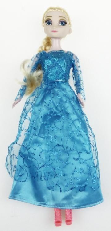 Baba kék ruhában