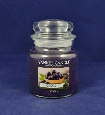 Yankee Candle vonná svíčka střední 411g Cassis
