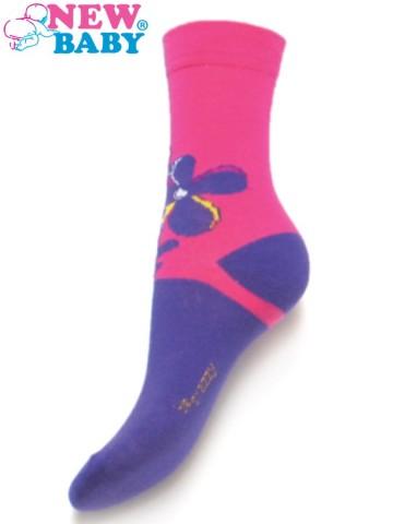 Detské bavlnené ponožky New Baby fialovo-ružové s kytičkou