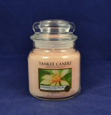 Yankee Candle vonná svíčka střední 411g Champaca Blossom