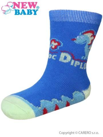 Dojčenské bavlnené ponožky New Baby modré s dinosaurom