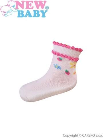 Kojenecké bavlněné ponožky New Baby béžové s kytičkami a jahůdkami