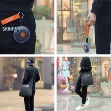 Přenosná skládací nákupní taška přes rameno s karabinou - černá