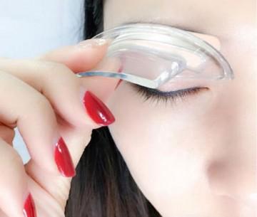 Kio Beauty - make-up pentru sprâncene