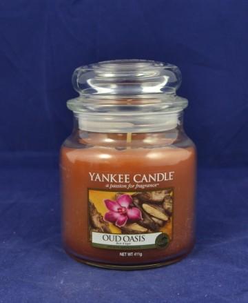 Yankee Candle vonná svíčka střední 411g Oud Oasis
