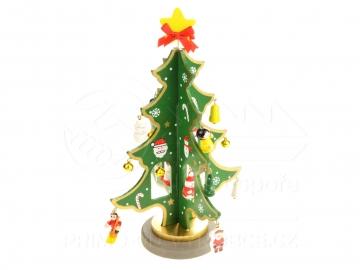 Karácsonyfa fa díszekkel