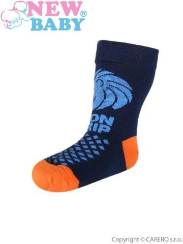 Detské bavlnené ponožky New Baby tmavo modré lion grip