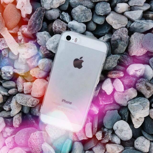 Průhledný čirý obal / kryt na iPhone SE.