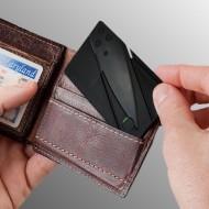 Skladací nôž v tvare kreditnej karty