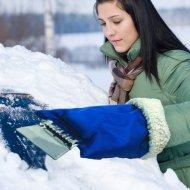 Autoškrabka na led a sníh s teplou rukavicí