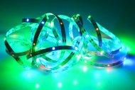 Samolepící LED pásek na baterie (300cm) 90 diod - Multi barevný